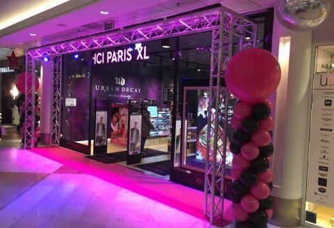 Installation à L'Esplanade (Shopping de Louvain-La-Neuve) pour la mise en avant du magasin ICI PARIS XL