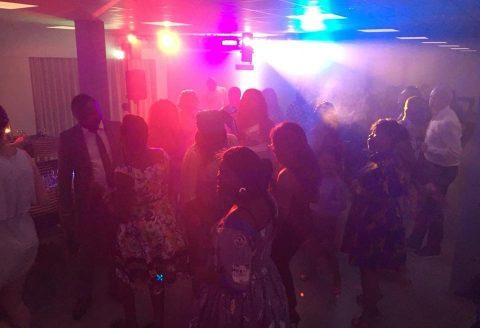 Ambiance géniale à Houffalise lors de ce mariage Belgo-Camerounais, avec la collaboration de DJ Manu Killer !