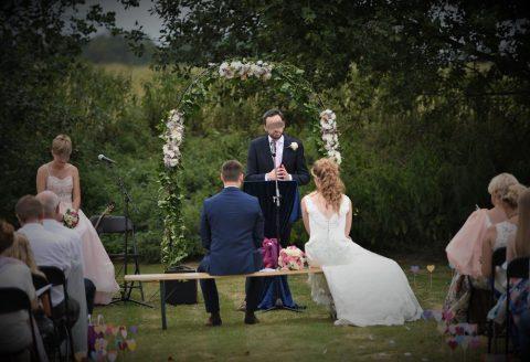 Magnifique mariage avec cérémonie laïque à la Cense d'Almez, Corroy-le-Grand