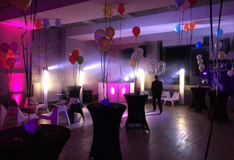 Soirée plutôt disco sous le thème Studio54 à Hennuyères !