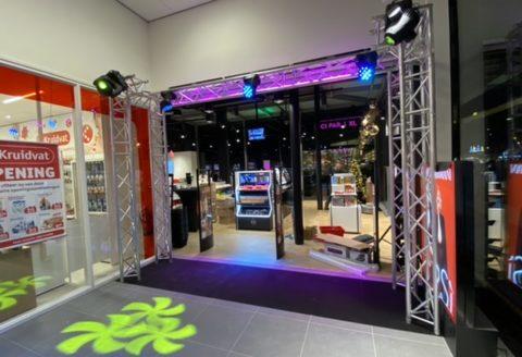 On assure l'ouverture du nouveau magasin ICI PARIS XL au Shopping Pajot à Sint-Pieters-Leeuw !
